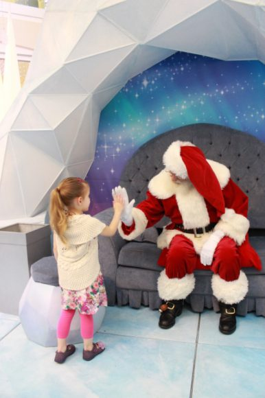 Find Santa Claus & Your Christmas Spirit At Metropolis At Metrotown 9